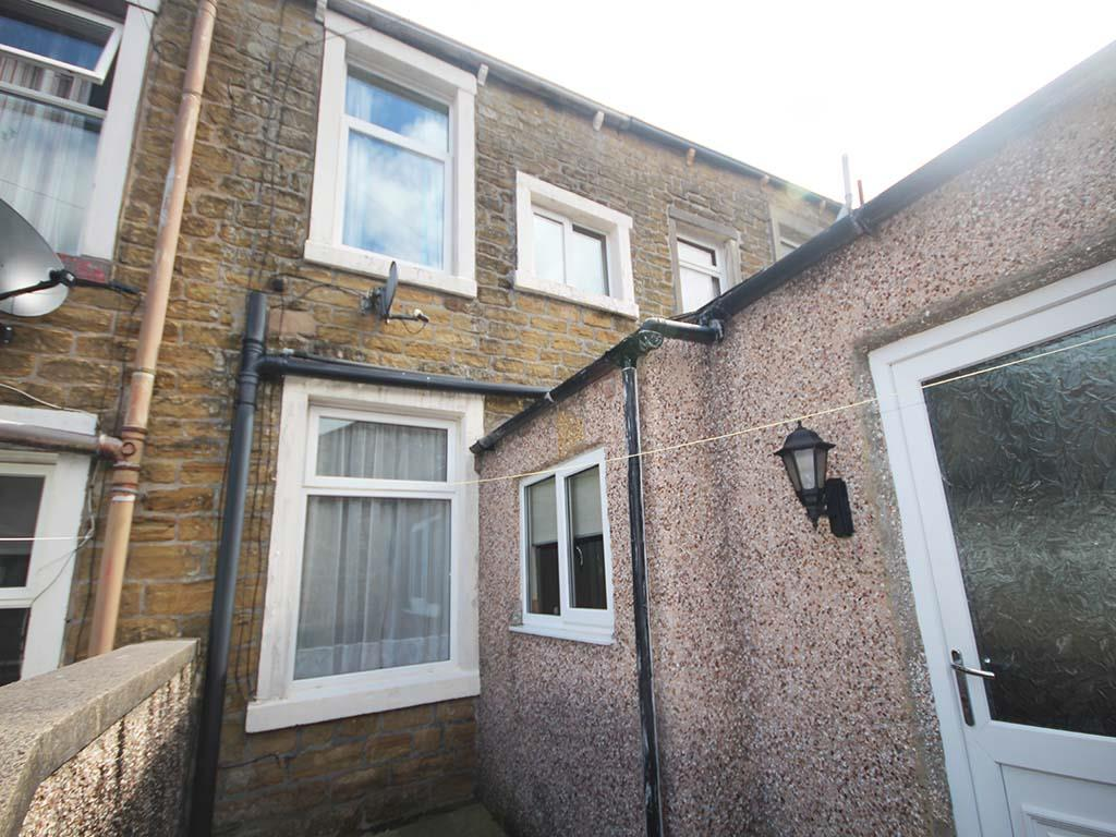 2 bedroom mid terrace house For Sale in Barnoldswick - IMG_7395.jpg